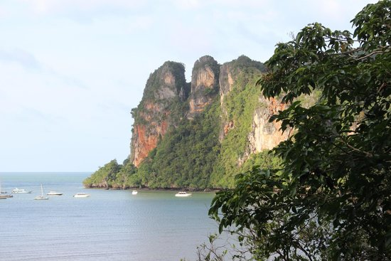 Railay Garden View Resort: Cliffs of Railay
