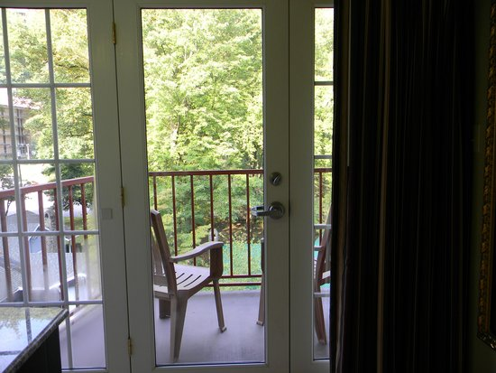 Baymont Inn & Suites Gatlinburg On The River: Our Balcony, Room 322