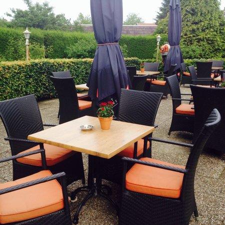 Hotel Hoogeveen : Beautiful outdoor eating area