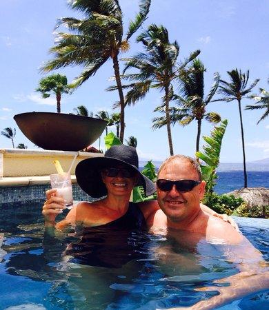 Four Seasons Resort Maui at Wailea: Amazing pool & hotel!
