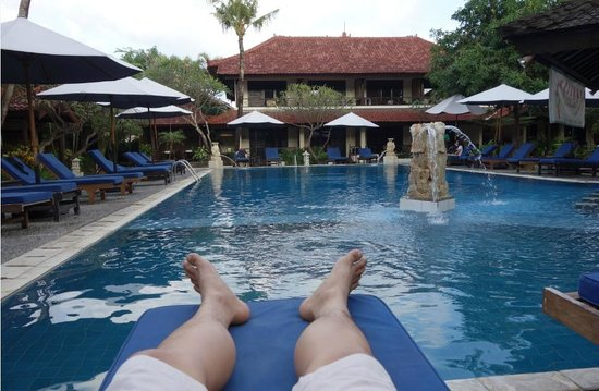 Legian Paradiso Hotel: The pool