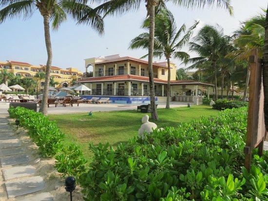 Secrets Capri Riviera Cancun: pool/hotel