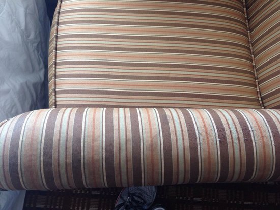 Holiday Inn Express Hotel & Suites Atlanta - Conyers: Something's wrong - Pic 2