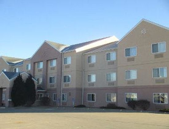 Baymont Inn & Suites Salina: Welcome to Baymont Inn and Suites Salina