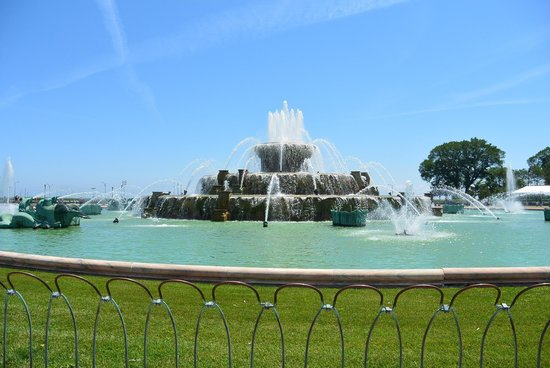 Buckingham Fountain: so pretty