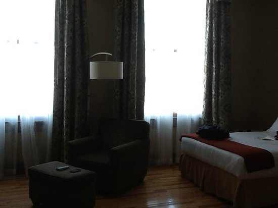 Holiday Inn Express Cleveland Downtown: Room