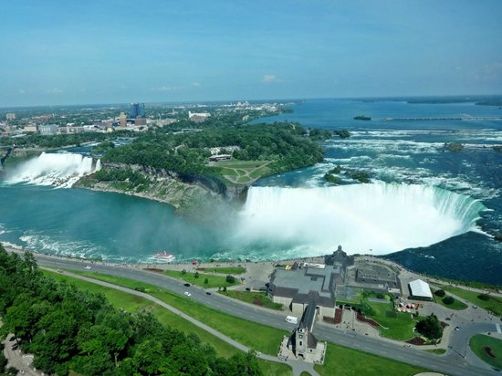 Embassy Suites by Hilton Niagara Falls Fallsview Hotel: 38th Floor with view of American and Canadian falls