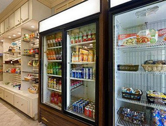 Hawthorn Suites By Wyndham Jacksonville : Convenience Store