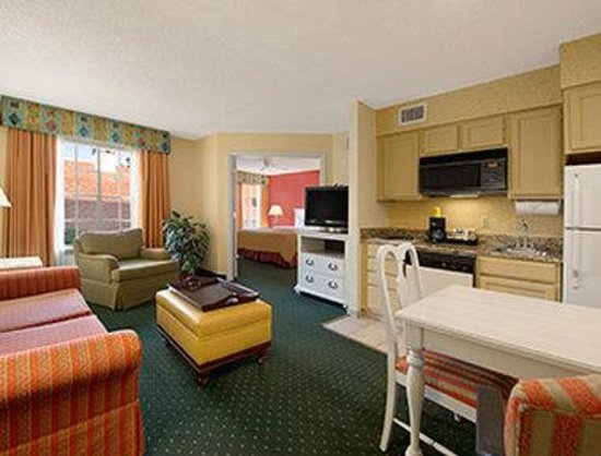 Hawthorn Suites By Wyndham Jacksonville: Standard King Room