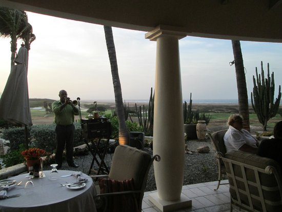 The Restaurant at Tierra del Sol: Accomplished musician added to the ambiance...