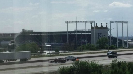 Drury Inn & Suites Kansas City Stadium: View of Kauffman Stadium from our room