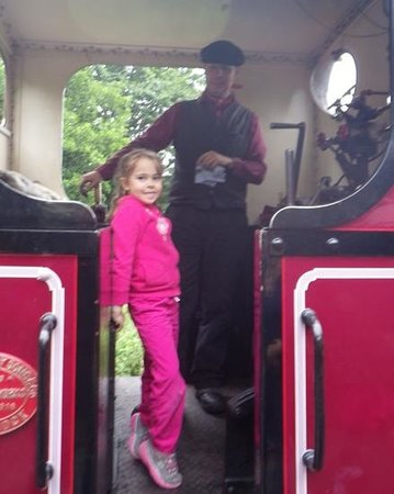Welsh Highland Heritage Railway: meeting the conductor
