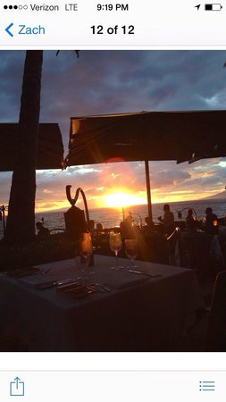 Ferraro's Bar e Ristorante: Amazing sunset from our table! It doesn't get any better then Ferrarros!