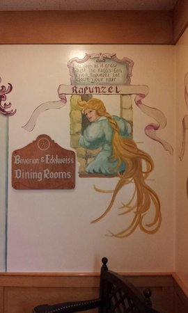 Bavarian Inn Restaurant : Wall art