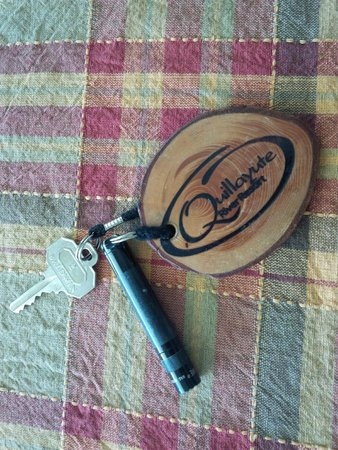 Quillayute River Resort : Keychain, with flashlight! (on kitchen table)