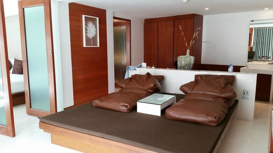 La Flora Resort Patong: The living room, we love the 'sand bag couch'