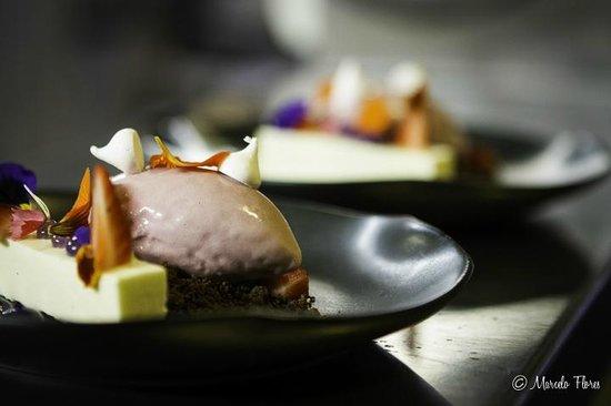 Reserve Restaurant Cellar: Violet Icream Desert