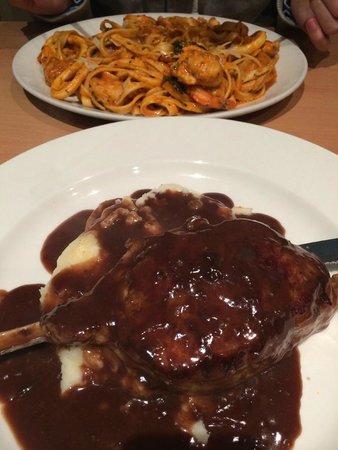 La Porchetta: Pescatore and fillet steak on mash