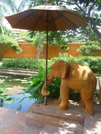 Anantara Hua Hin Resort: Grounds