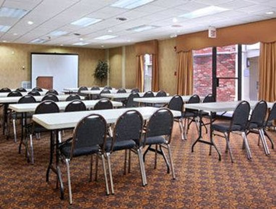 Ramada Lebanon: Meeting Room