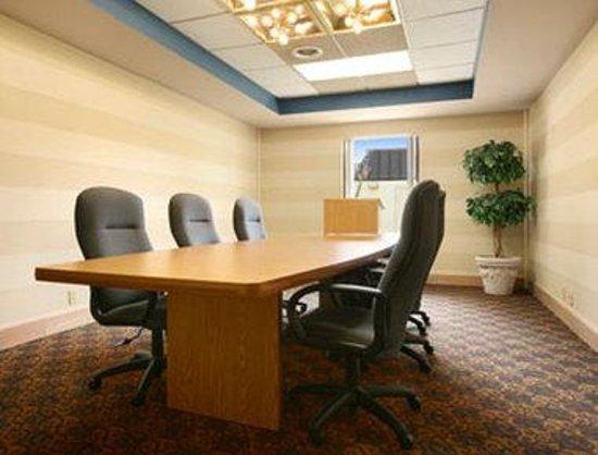 Ramada Lebanon: Boardroom