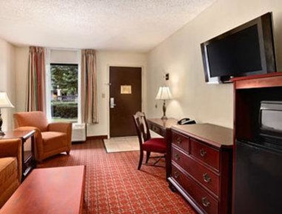 Baymont Inn & Suites Florence: Standard King Bed Room