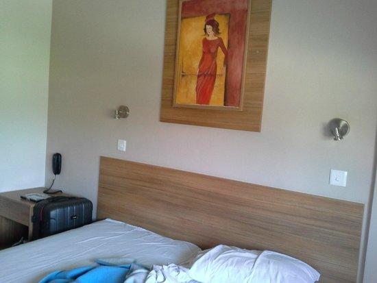 Lucky Hotel Apartments: спальня