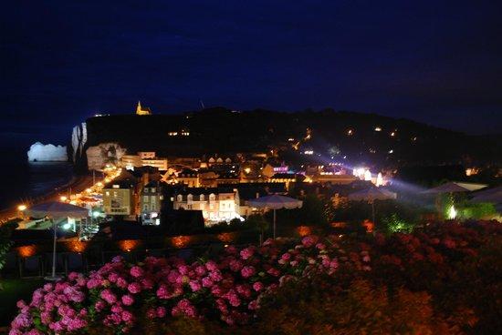 Hotel Dormy House : vue de la chambre de soir