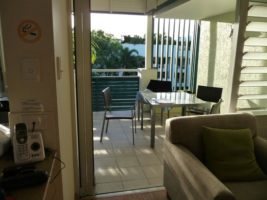 Verandahs Boutique Apartments: Our own sunny balcony