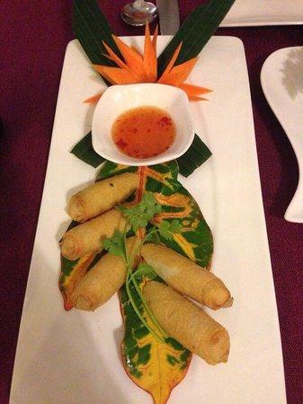 Bussaba Thai Restaurant : Spring roll starter