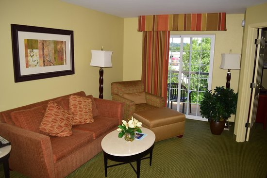 Homewood Suites by Hilton Vancouver-Portland: Living Room