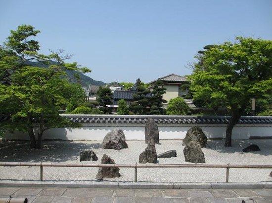 Komyozen-ji Temple : 仏光石庭