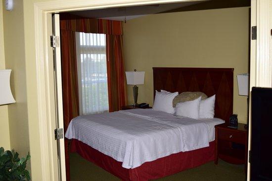 Homewood Suites by Hilton Vancouver-Portland : Bedroom