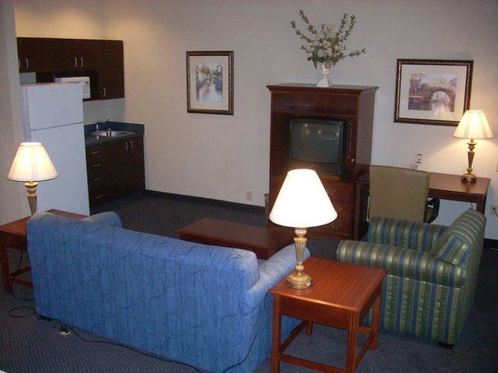 Hampton Inn Buckhannon: King Whirlpool Suite