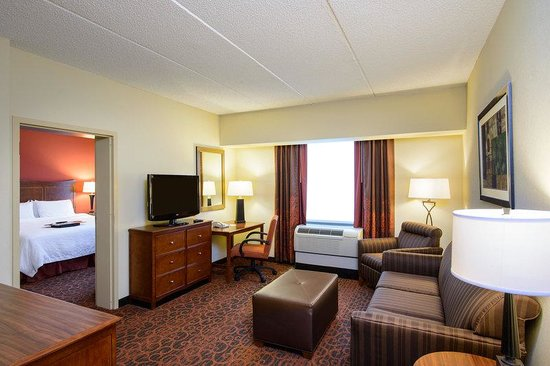 Hampton Inn Philadelphia Center City - Convention Center: Guest Suite