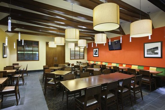 Hampton Inn Philadelphia Center City - Convention Center: Breakfast Seating Area