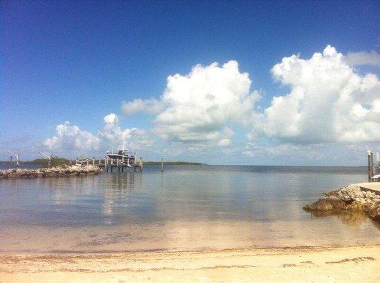 Island Bay Resort : beach