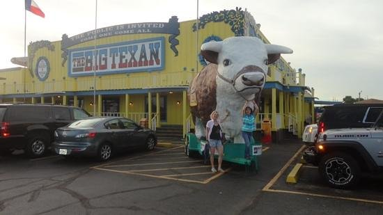 Big Texan Steak Ranch : devant le BT