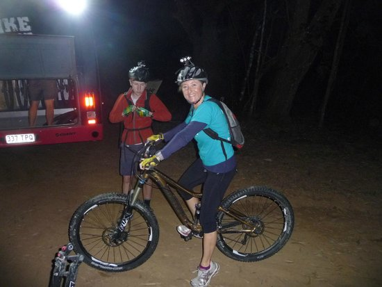 Bike N Hike Adventure Tours: Bus ride to the top of the track, fitted out with all the gear.