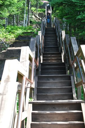 Split Rock Lighthouse: The stairs...(note, there is a trail as well, incline, but not as steep as the stairs)