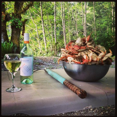 The Homestead Cabins : Our amazing crab feast!