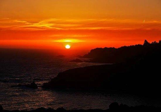 Timber Cove Resort: Sunset 2