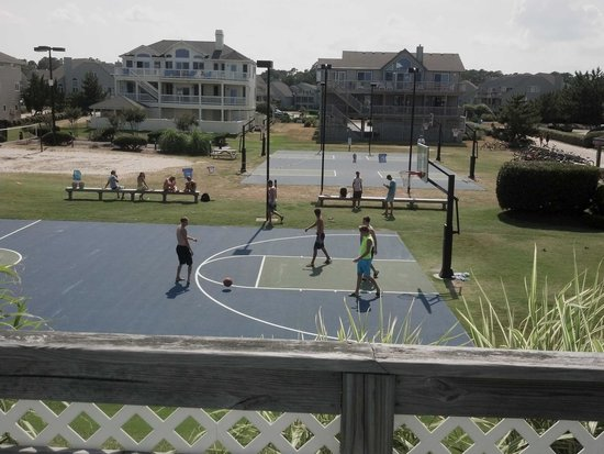 Corolla Light Resort : Plenty of athletic facilities!