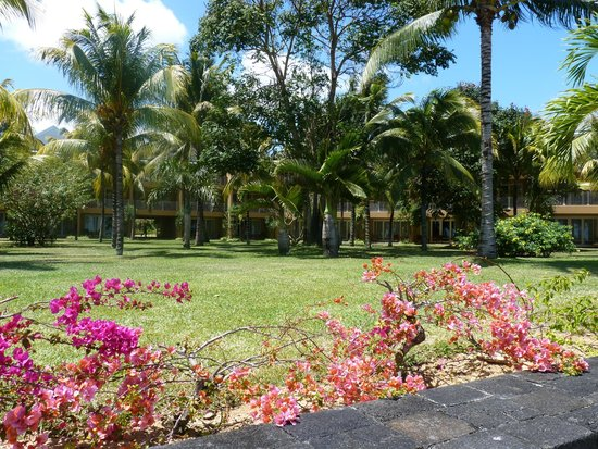 Victoria Beachcomber Resort & Spa: κηπος