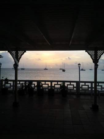 St. Lucian by Rex Resorts : A view of sunset from the lobby