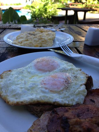 The Beachouse: Beachouse brekky $10FJD