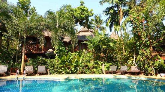 Phu Pha Ao Nang Resort and Spa: Gartenbereich