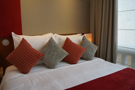 Le Meridien Singapore, Sentosa: Comfortable king-sized bed