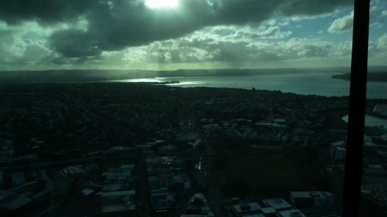 Sky Tower : Evening falls