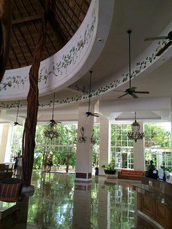 Catalonia Royal Tulum Beach & Spa Resort: lobby